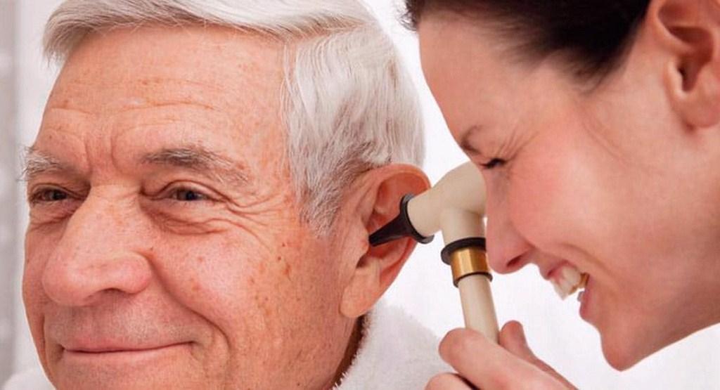 چه عواملی موجب کاهش شنوایی می شود