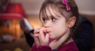 مهمترین دلایل جویدن ناخن در کودکان چیست